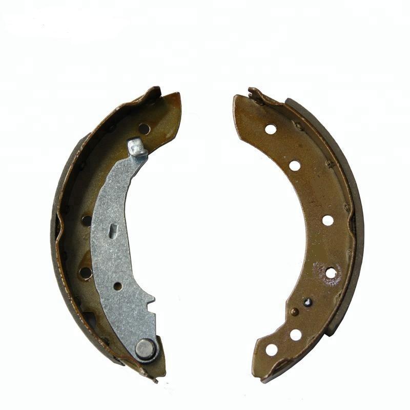 Колодки задние тормозные C2/C3 02- 1,1-1,4 барабаны PEUGEOT / CITROEN